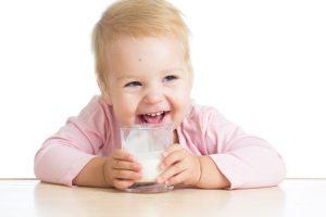 Как давать воду ребенку