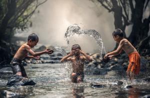 Интересные игры в воде для детей