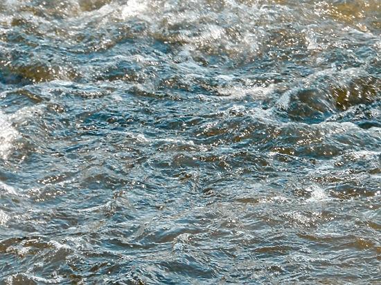 Жидкая вода
