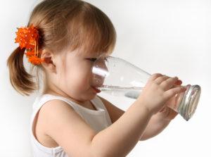 Нужно ли дополнительное питие малышам?