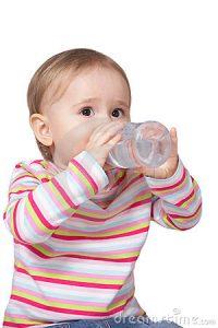 Сколько месячному ребенку давать воды