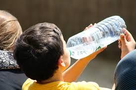 Почему ребенок пьет воду по ночам?
