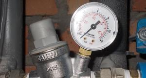 Регулятор давления воды в системе водоснабжения